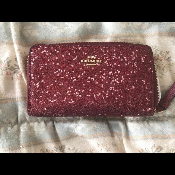 Coach Handbags - Coach Wristlet Res Glitter